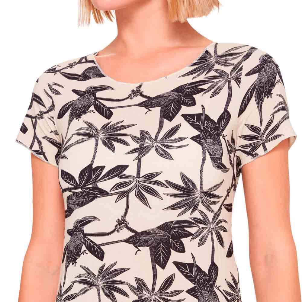 camiseta-basica-feminina-estampada-detalhe