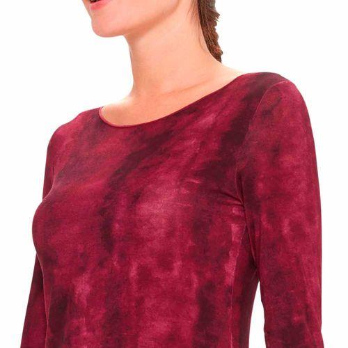 camiseta-degrade-feminina--overloque-detalhe